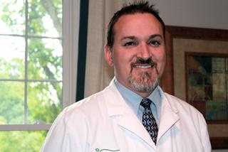 doctor aaron broyles