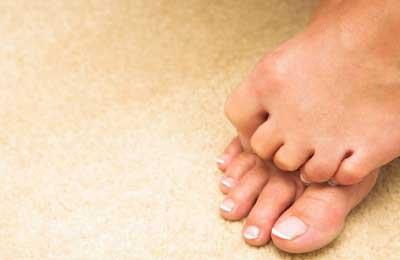 feet hiding toes